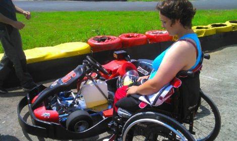 Souvenir souvenir…Julie Chupin 1er essai sur nos handikart ! Bravo c…